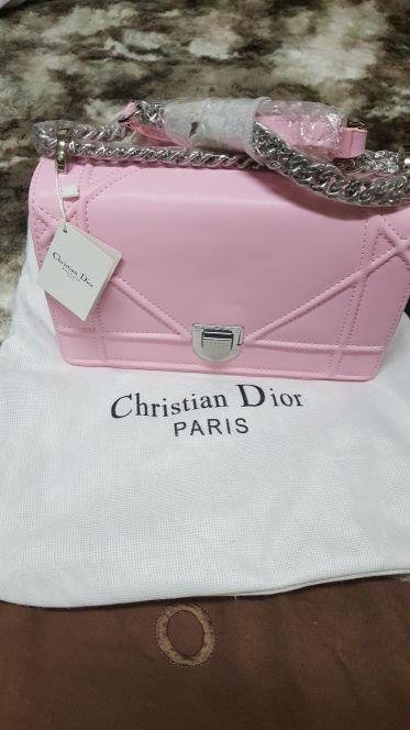 3e7bdf89e للبيع حقيبة Dior · للبيع حقيبة Dior جديده · للبيع حقيبة Dior. Christian ...