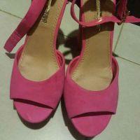 besutiful pink sandal for sale