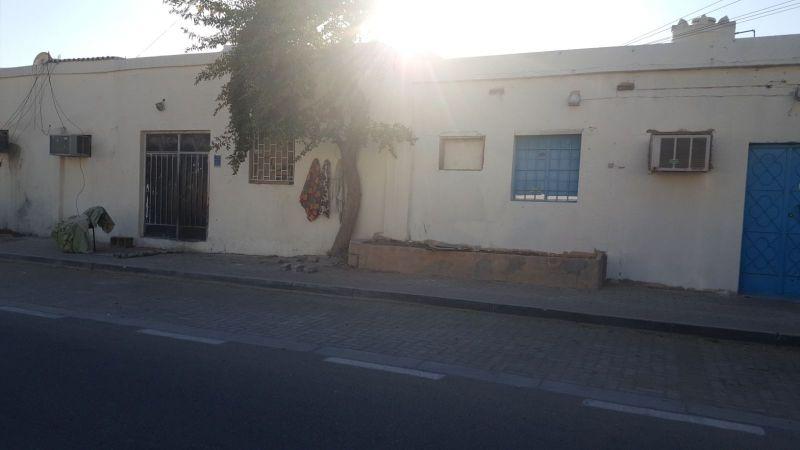 للبيع بيت شعبي في مدينة خليفة