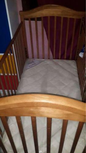 سرير اطفال ممتاز