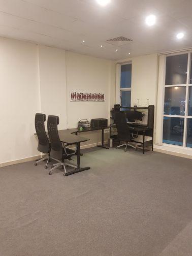 مكتب + كراسي