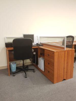 مكاتب + كراسي