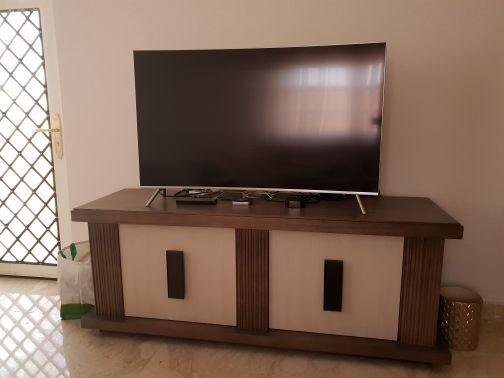 طاولة تلفزيون عالية الجودة