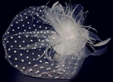 قبعة نسائية سوداء
