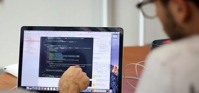 دورات لتعليم البرمجة