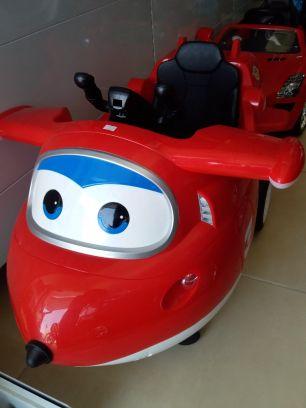 سيارة اطفال جديدة شحن كهرباء + ريموت