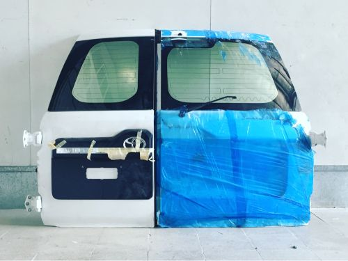 Land cruiser door for sale
