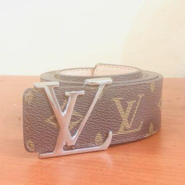 Louisvuitton belt.
