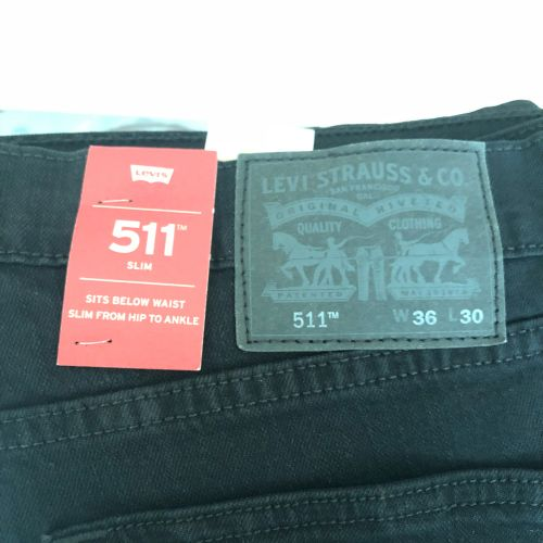 Levi's pants never been use