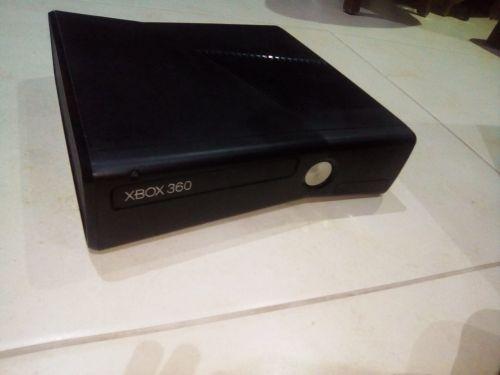 اكس بوكس 360 عليه 100 لعبة