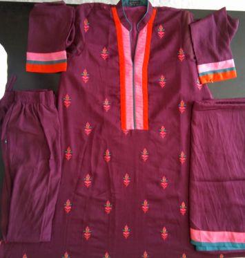 ملبوسات مخیطة باكستانية