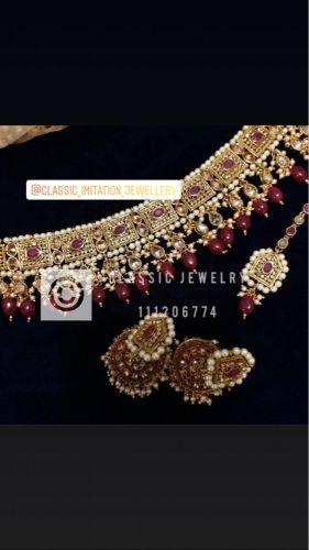 Classic jewelry (choker)