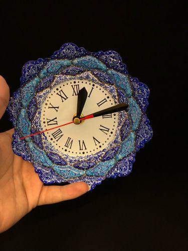 الساعة اليدوية