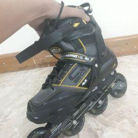 حذاء تزلج جديد غير مستعمل مقاس 41-42