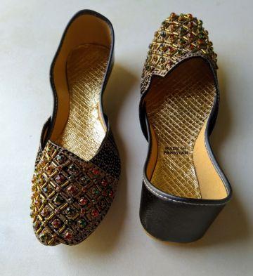 أحذية نسائية باكستانية