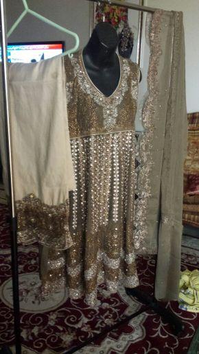 ملابس اعراس وحفلات باكستانية