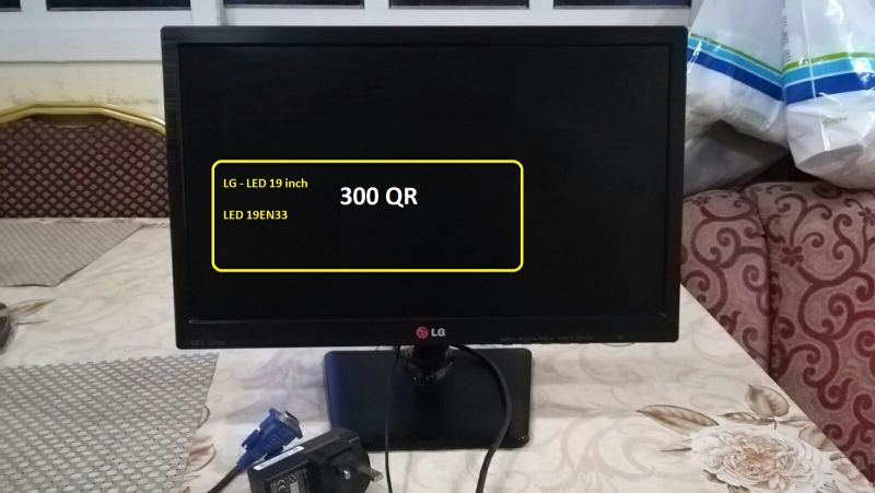 """LG LED Monitor """"not LCD"""" 19 inch"""