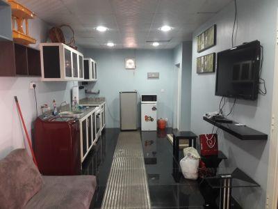 بيت غرفه وصاله ومطبخ وحمام للايجار