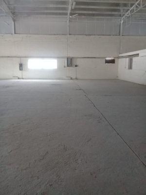 للايجار مخزن مواد البناء الصناعية