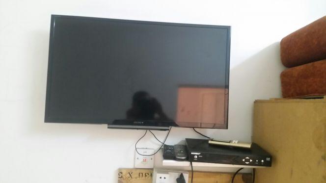 تليفزيون شاشة 32 سوني للبيع