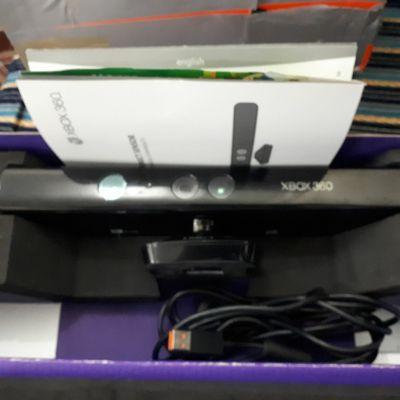 كاميرا للاكس بوكس 360 مع لعبه للبيع