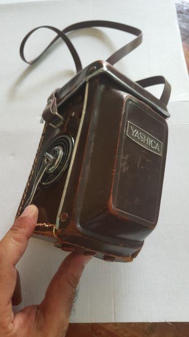 كاميرا YASHICA كلاسيك