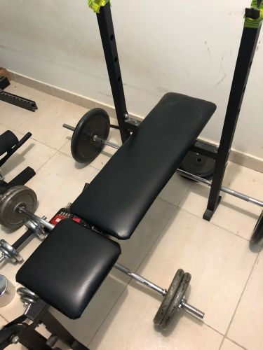 Bench stand with 100 kilo weights