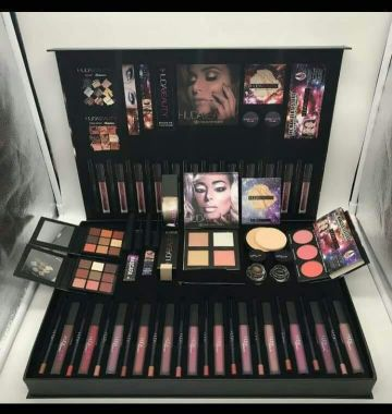 HUDABEAUTY Sets