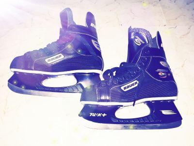 خذاء تزلج بحاله ممتازه