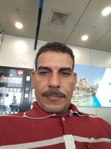 سائق أو فرومن موقع رخصه