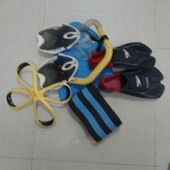 معدات سباحة