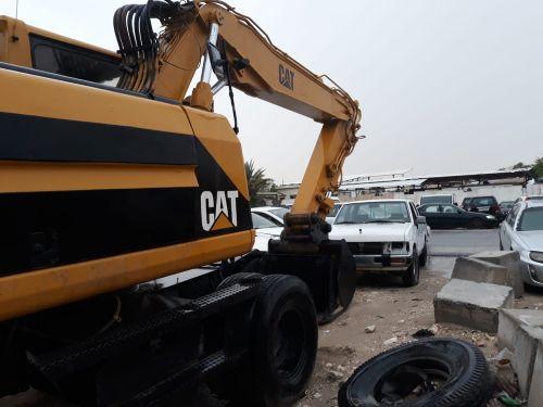 Tyer Escavator CAT