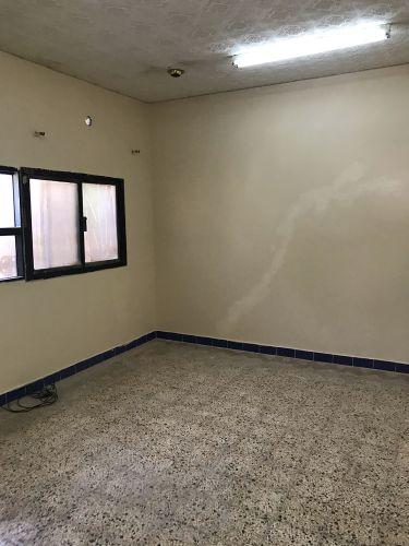 غرف للعمال أم صلال محمدا