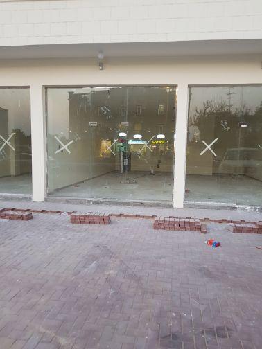 سوق تجارى جديد للبيع فى مدينة خليفه