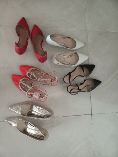 احذية مستعملة للبيع