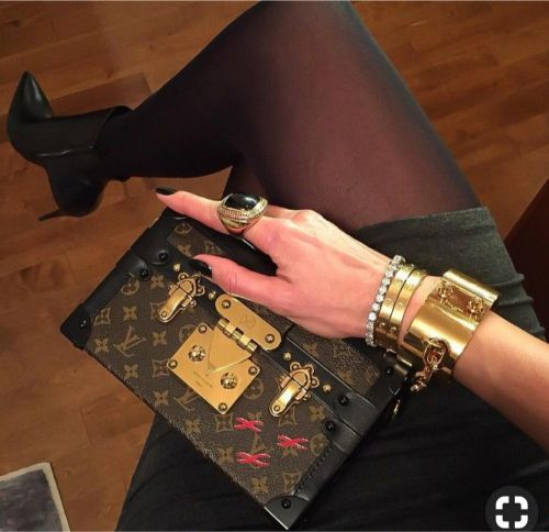 Louis Vuitton Classic Clutch