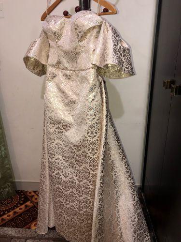 فستان مصممة كويتية