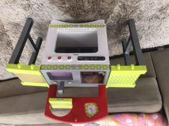 لعبة مطبخ للأطفال
