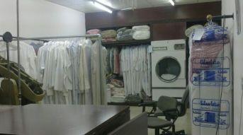 خدمة غسيل الملابس مع التوصيل