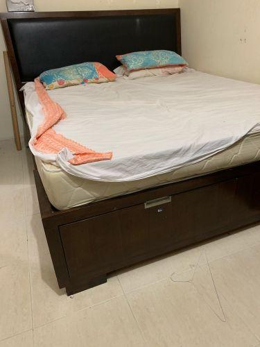 سرير فندقى عرض ٢ متر بالمرتبة