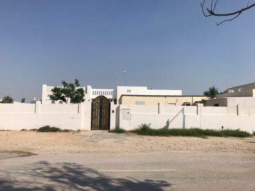 بيت للايجار باطن بالغرافة