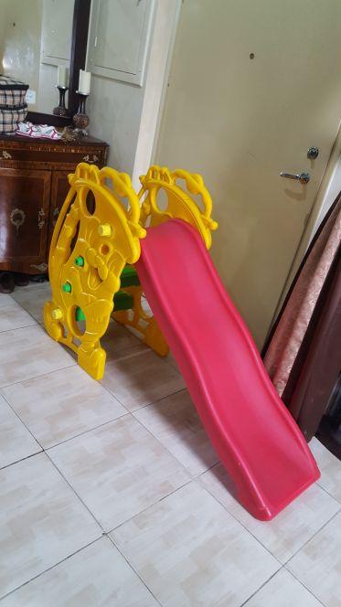 زحليقة اطفال مستعملة