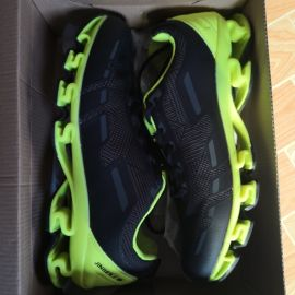new sport shoes size 44