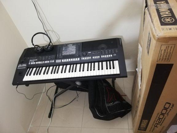 Yamaha keyboard A2000