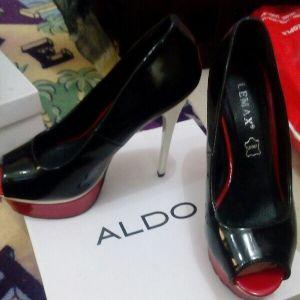 حذاء نظيف للبيع