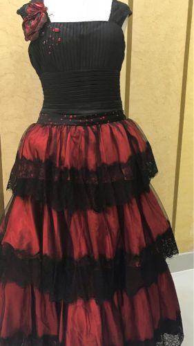 فستان طبقات بالدانتيل