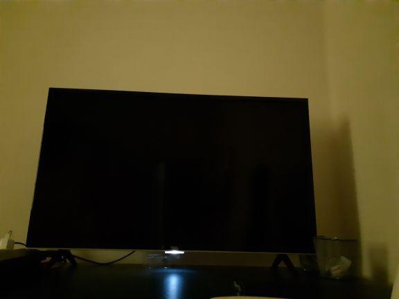 شاشة tcl ٤٠ بوصة 4k