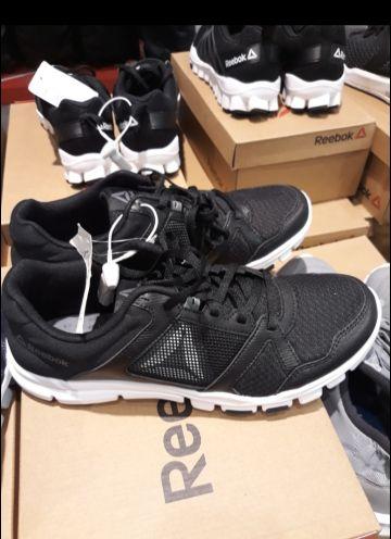 حذاء رايبوك جديد