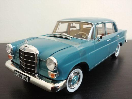 1:18 1966 MB 200 model car