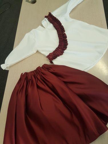 طقم تنورة وقميص لليوم الوطني
